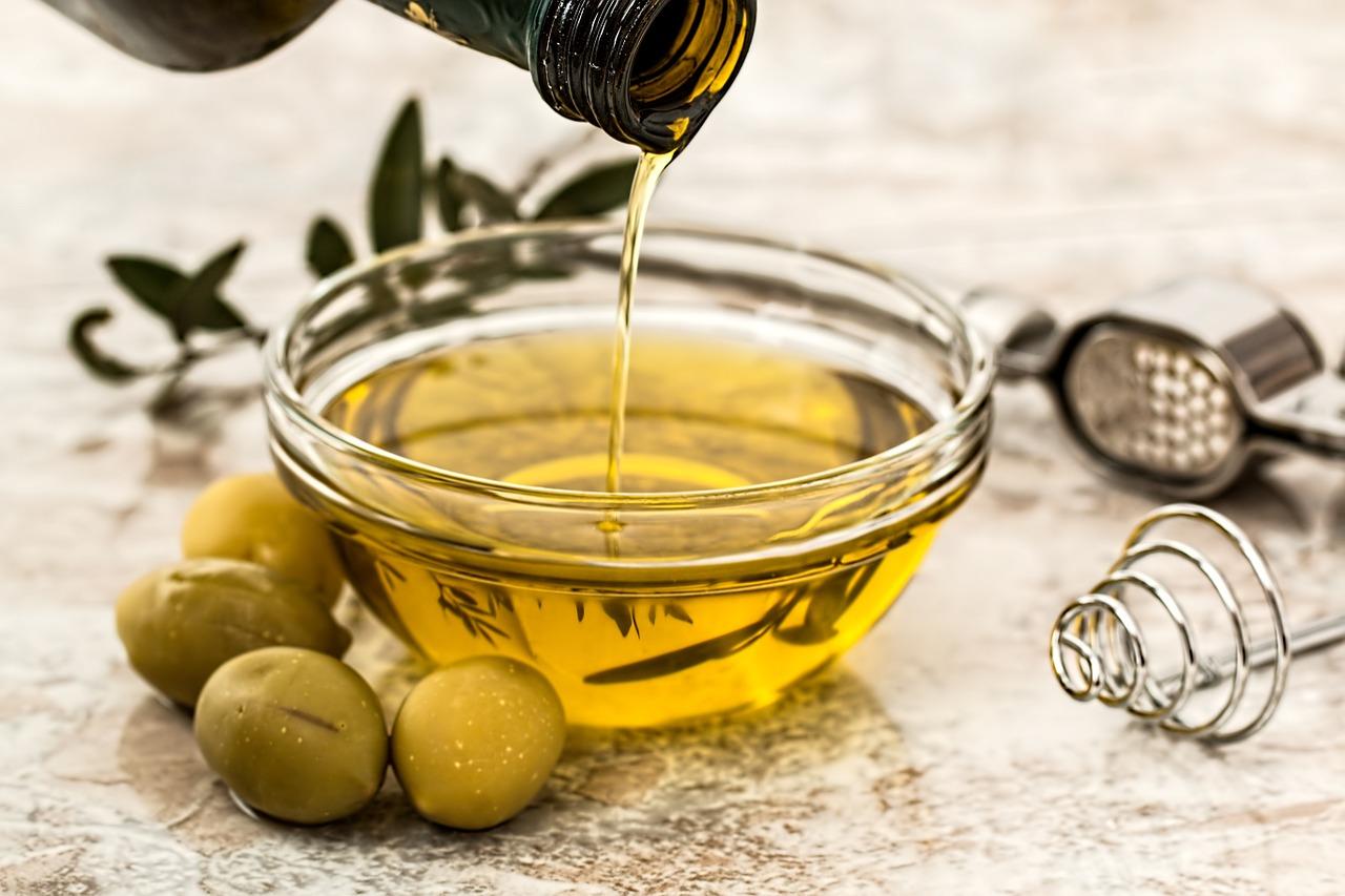 Zdrowe, a mało popularne oleje – olej z awokado, olej z pestek moreli