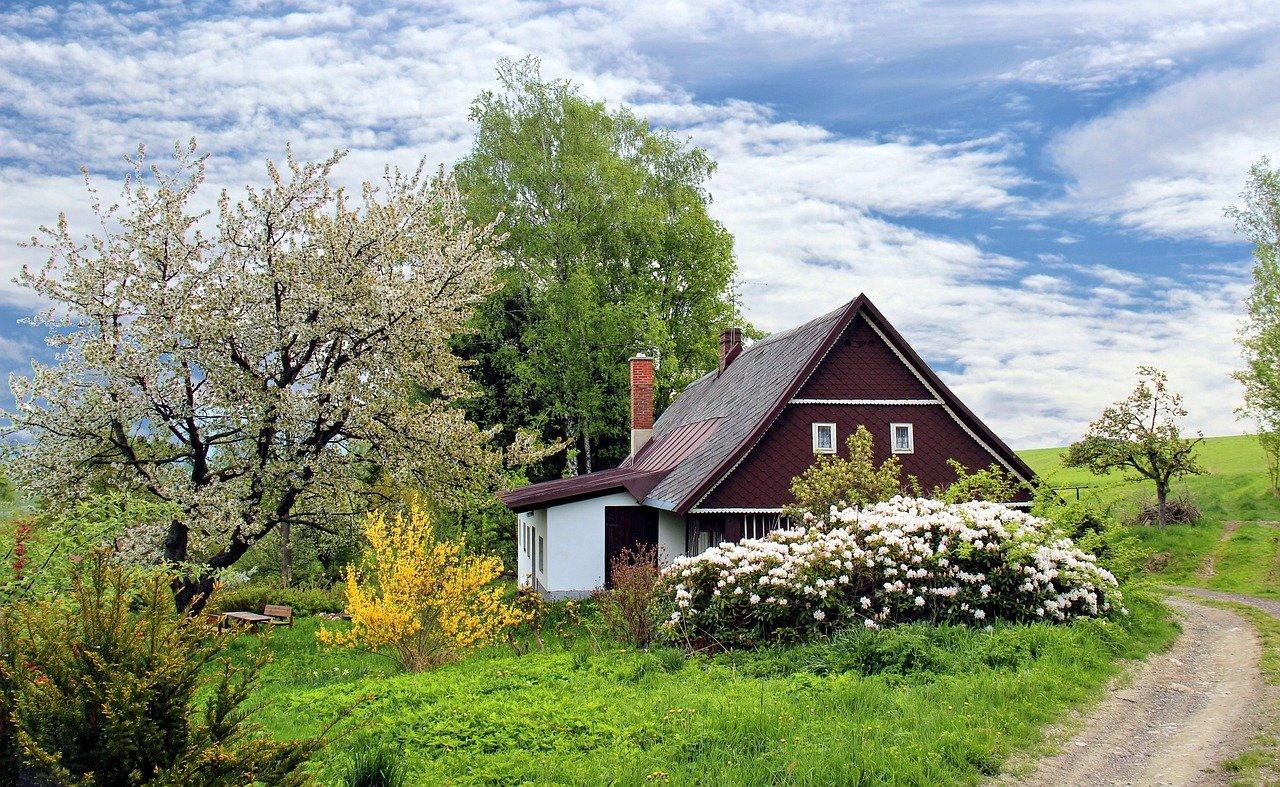 Jak zadbać o stary dom?